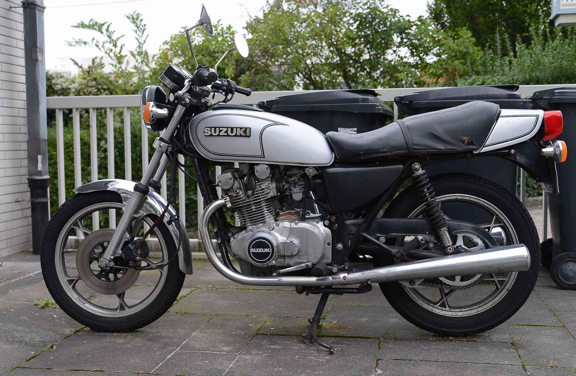 SUZUKI GS 400 (1976 - 1983)
