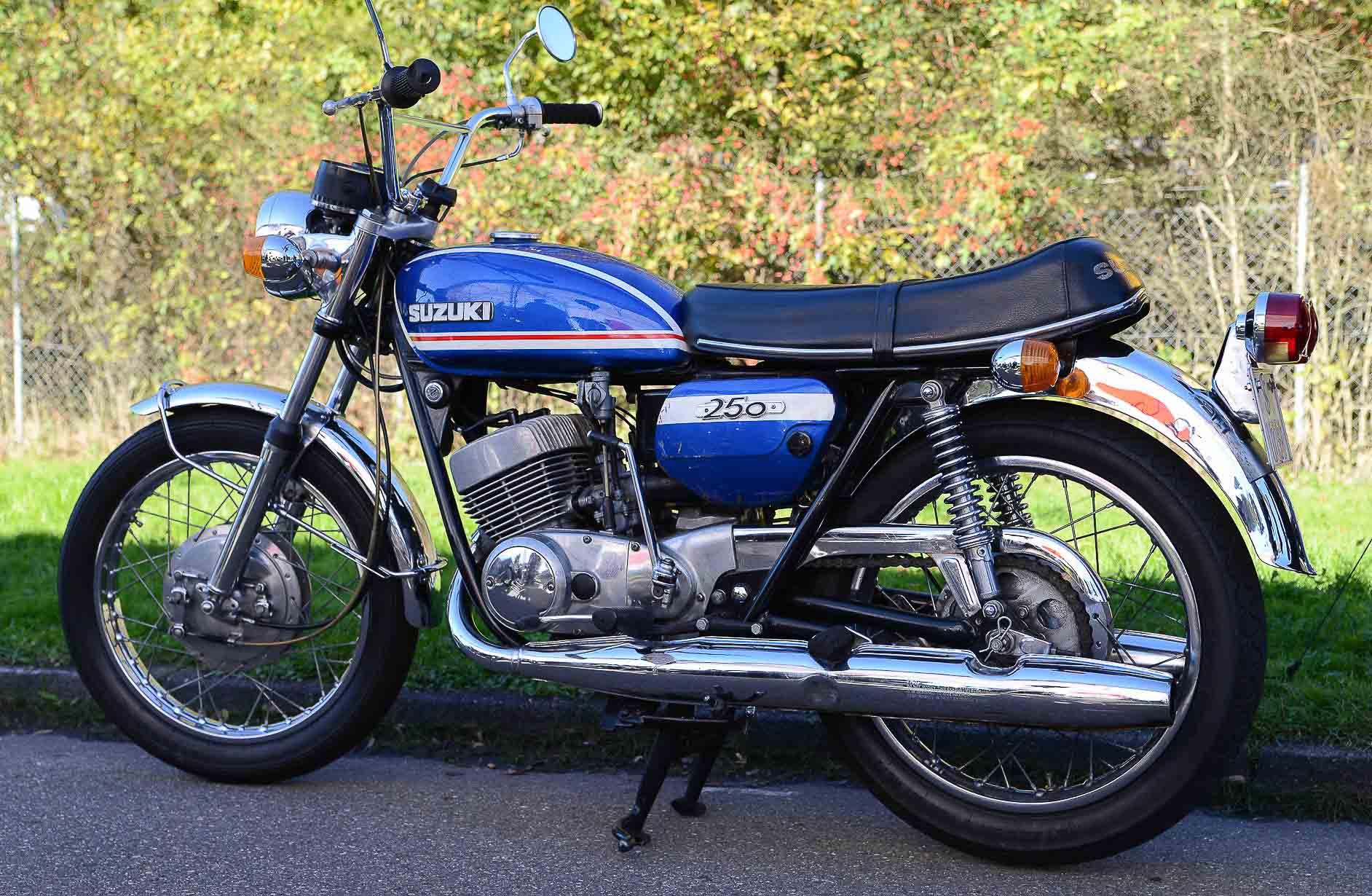 SUZUKI T 250 (1969 - 1972)