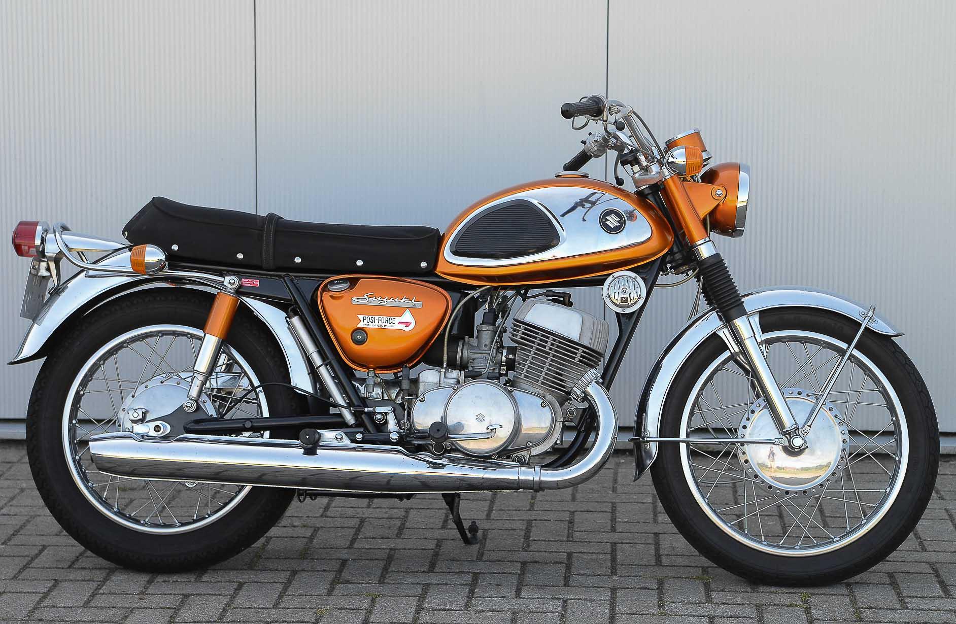 SUZUKI T 500 (1967 - 1975)