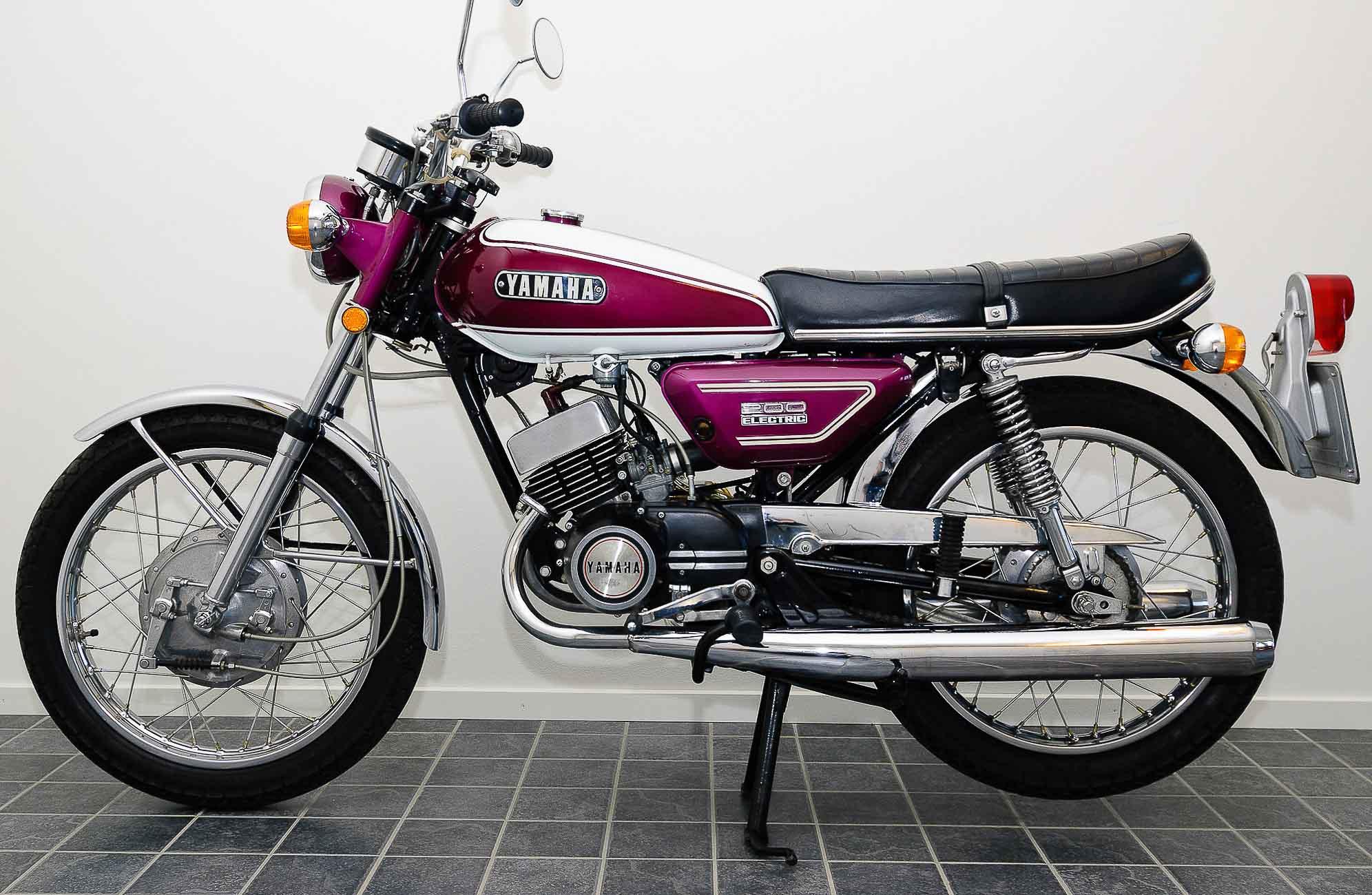 YAMAHA RD 200 (1973 - 1980)