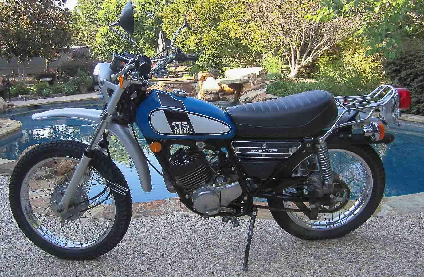 YAMAHA DT 175 (1974 - 1981)