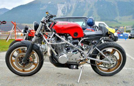 Auch alte Nippon-Bikes traten zum Sprintrennen in St. Moritz an