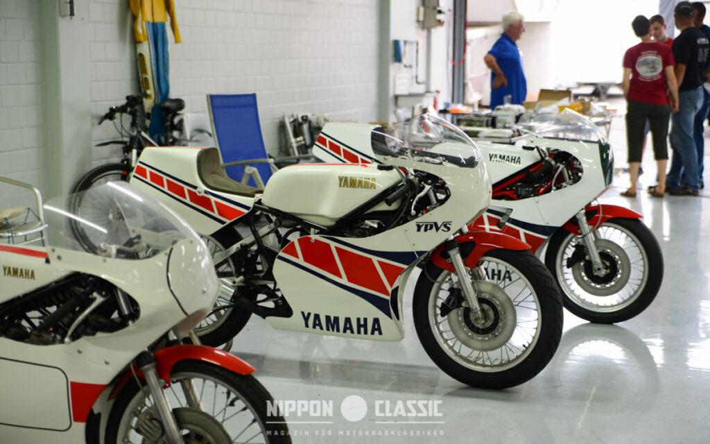 """Das rote """"Speedblock"""" Design zieht sich durch Yamahas Rennsport-Geschichte"""